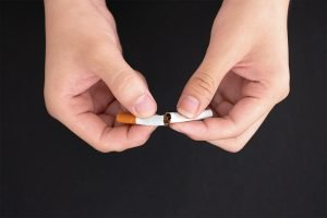 top 5 reasons to quit smoking now from your glen waverley dentist
